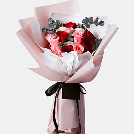 n Love With Roses Bunch
