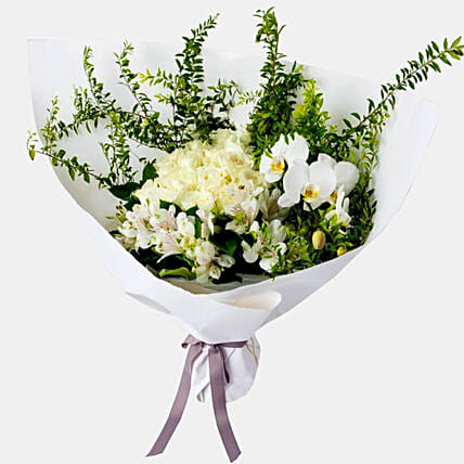 Posy Of White Flowers:Sympathy and Funeral Flower Singapore