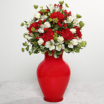 Send Red carnations to UAE