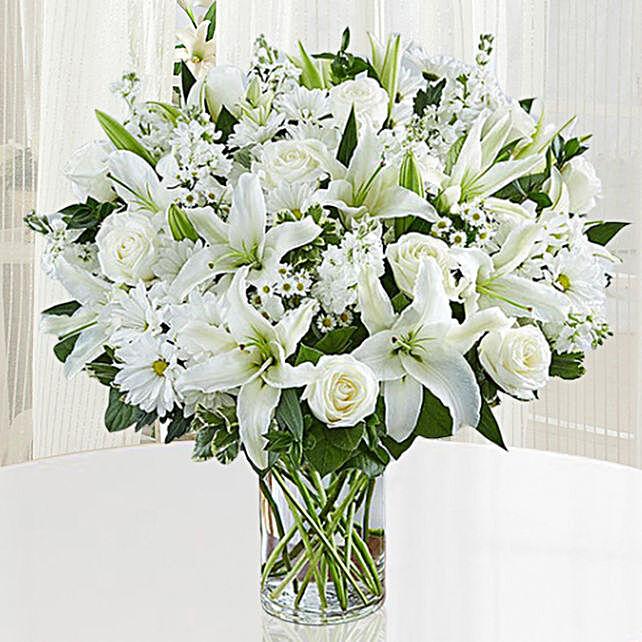 Fresh White Flowers Vase