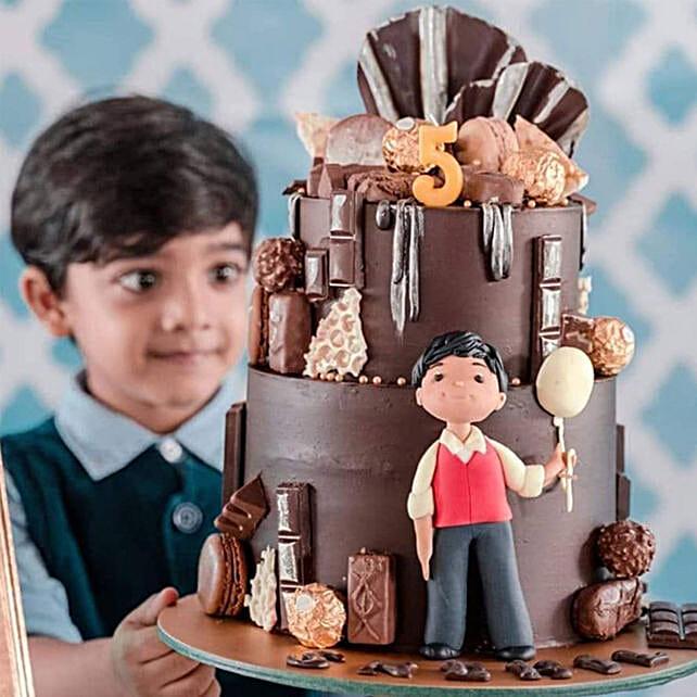 Grand Birthday Chocolate Cake