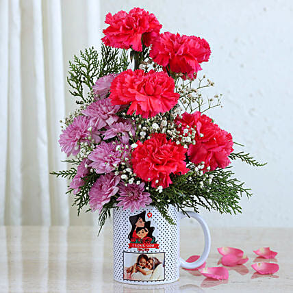 Adorable Flowers In Personalised Mug For Dear Mom