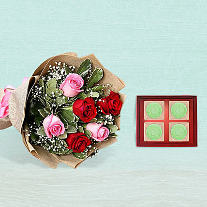 6 Roses Bouquet With Osmanthus Snowskin Mooncake:Mooncake Delivery in Singapore