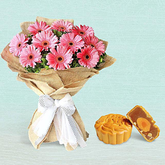 Refreshing Dark Pink Gerberas With Lotus Single Yolk Mooncake