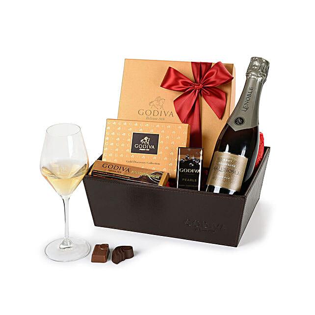 Champagne N Godiva Chocolates Hamper