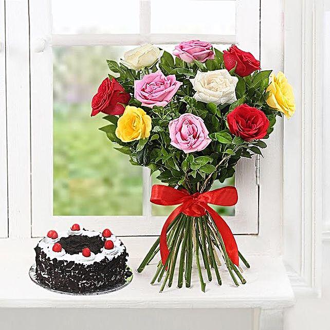 Lovely Roses And Tasty Cake Combo
