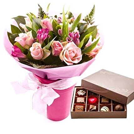 Flowers N Chocolates Combo:Gift Delivery in Taiwan