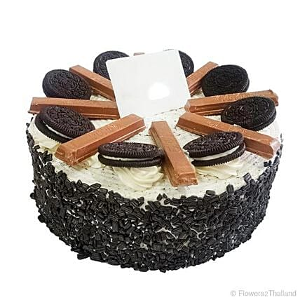 Delicious Oreo And Kitkat Cake