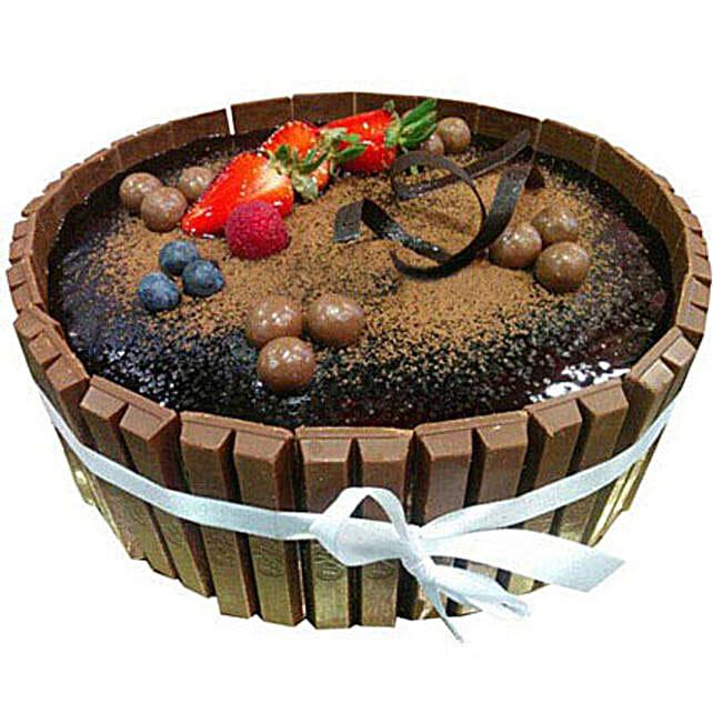 1 Kg Kitkat Cake