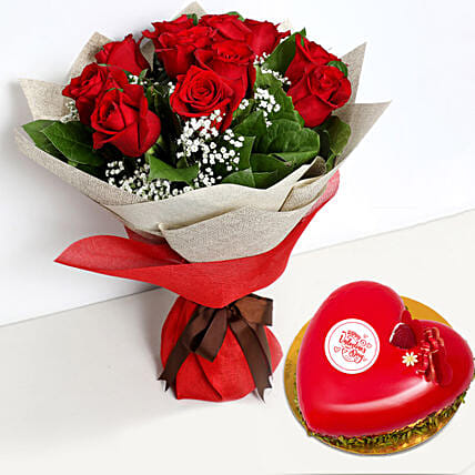 12 Red Roses Bouquet with Heartshape Cake
