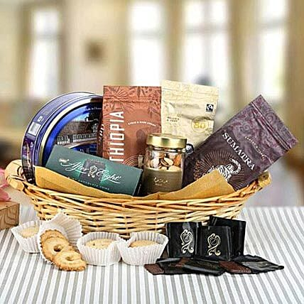 A Pleasing Surprise:Send Christmas Dry Fruit Hampers to UAE