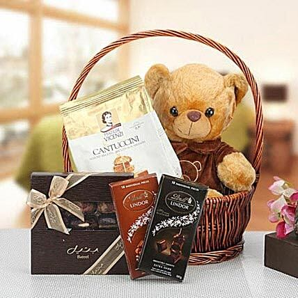 A Present to Cherish:Send Teddy Day Gifts to UAE