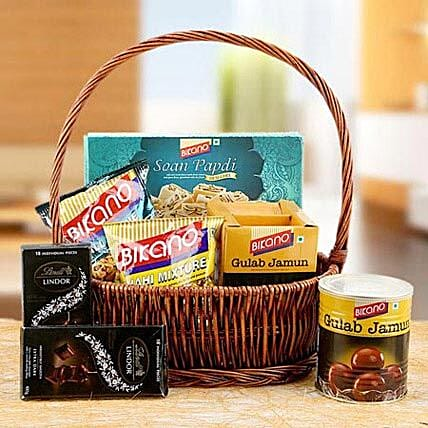 Charming Hamper of Love:Send Bhai Dooj Gift Hampers to UAE