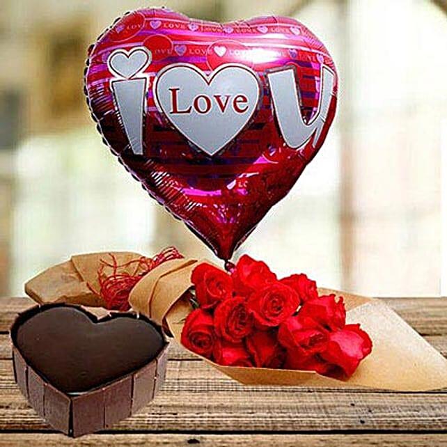 Close To Heart:Heart Shaped Cake to UAE