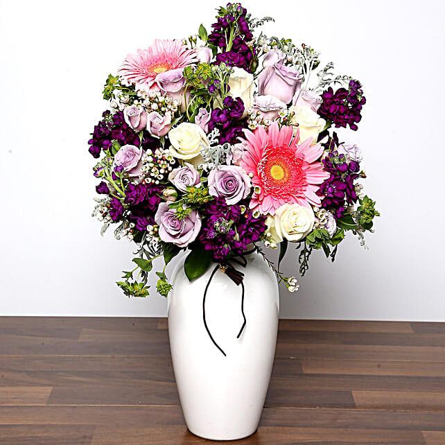 Colourful Beautiful Flower Vase In Uae Gift Colourful Beautiful Flower Vase Ferns N Petals