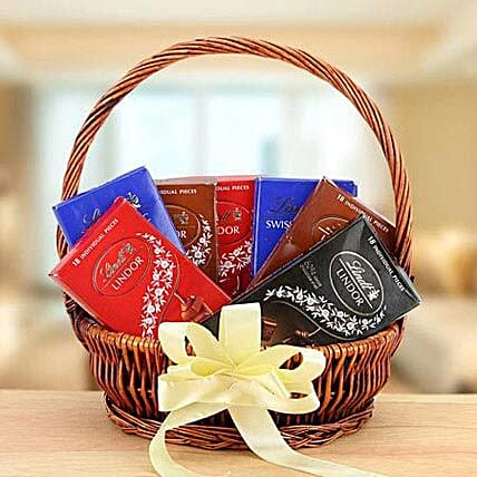 Delicious Delight:Dubai Gift Basket Delivery