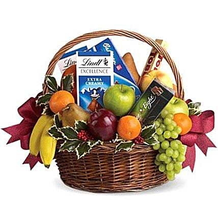Fruitful Hamper:Gift Baskets to UAE