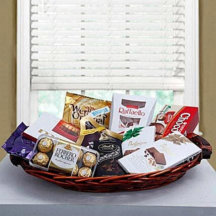 Luxurious Choco Hamper:Send Bhai Dooj Gift Hampers to UAE