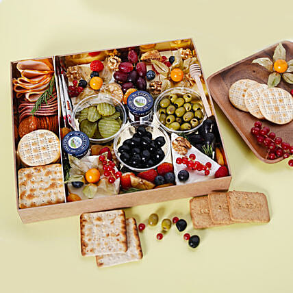 Medium Cheese Box with Condiments:Christmas Gift Baskets to UAE