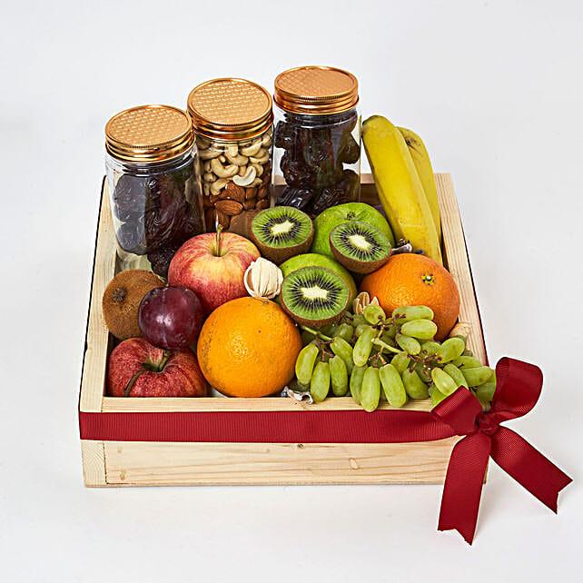 Nuts and Fruits Hamper:Fruit Basket Delivery UAE