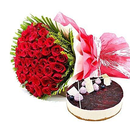 Roses & Blueberry Cheese Cake:Anniversary Flowers N Cakes to UAE