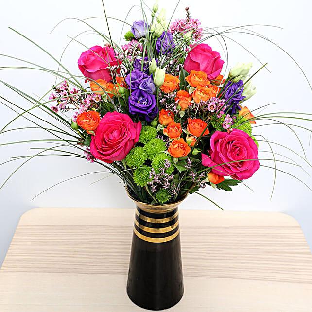 Roses N Lisianthus in a Vase
