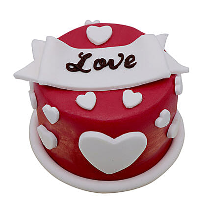 Special Love Cake For Valentines Day:Gifts for Girlfriend in UAE