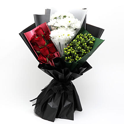 UAE Flag Floral Bunch:UAE National Day Gifts