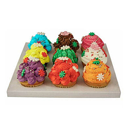 9 Cup Cakes