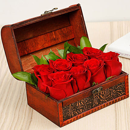 Treasured Roses:Anniversary Gifts  to UAE