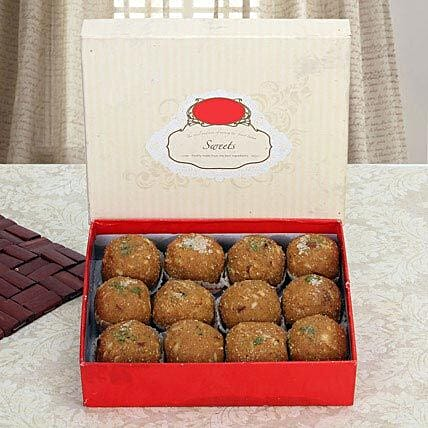 Box of Dry Fruit Besan Laddoo:Sweet Delivery in UAE