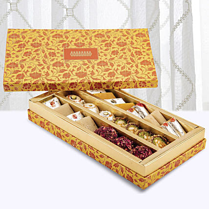 Kaju Premium Assorted Sweets Box:Send Sweets to UAE