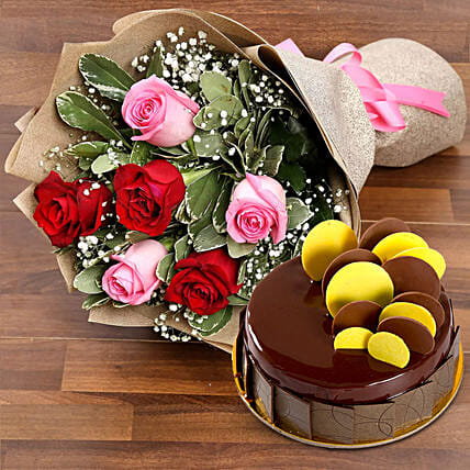 Beautiful Roses Bouquet With Chocolate Fudge Cake:Send Hug Day Gifts to UAE