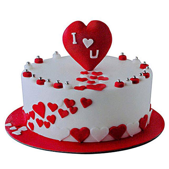 Valentine Round Cake:Gifts for Girlfriend in UAE
