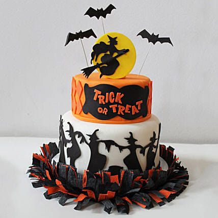 Witches Treat Fondant Cake