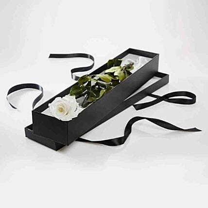Luxury White Rose Gift Box:Flower Delivery UK
