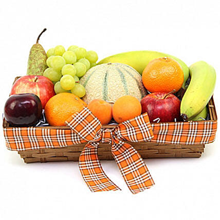 Orchards Delight Fruit Basket:Gifts to Oxford