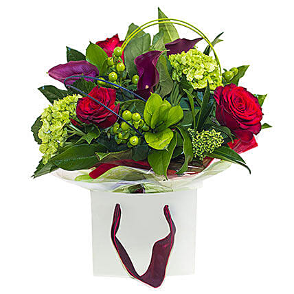 Roses in the Garden:Gifts for Wife in UK