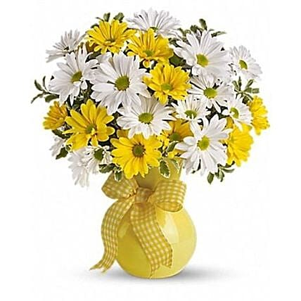 Vibrant Yellow And White Daisy Bouquet