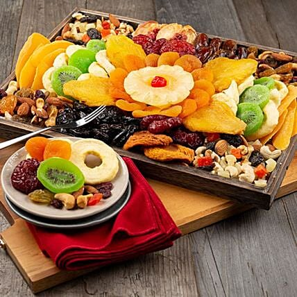 Classic Dried Fruit And Nuts Platter