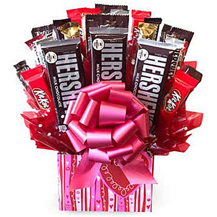 Delicious Candy Bouquet:Send Valentines Day Gifts to Cincinnati