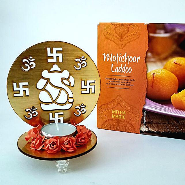 Designer Om Candle & Motichoor Ladoo Combo