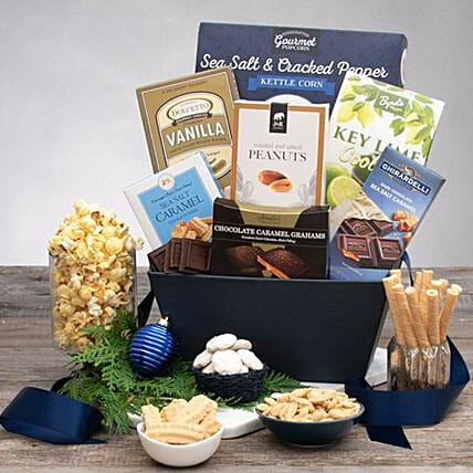 Festive Winter Wonderland And Holiday Gift Basket:Send Corporate Gifts to USA