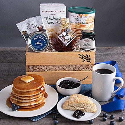 New England Breakfast Gift Basket:St Patricks Day Gifts to USA