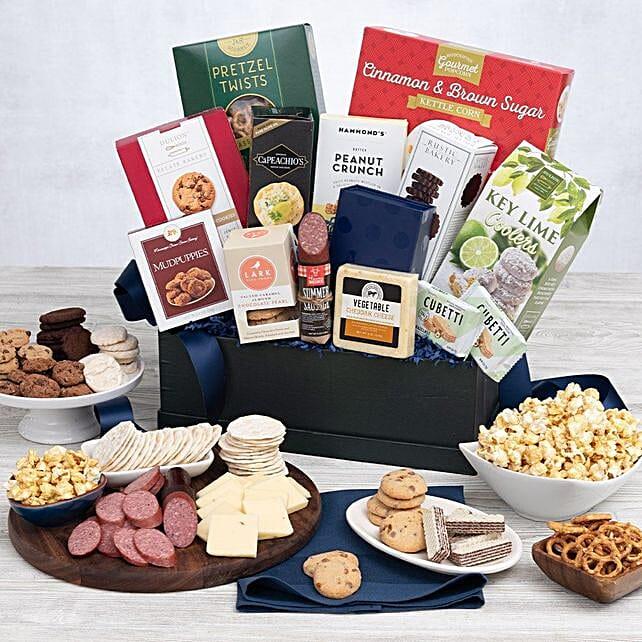 Premium Snack Gift Basket:St Patricks Day Gifts to USA