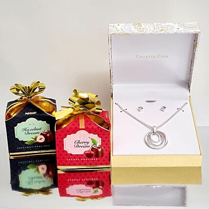 Stunning Pendant Gift Set:Artificial Jewellery Gifts to USA