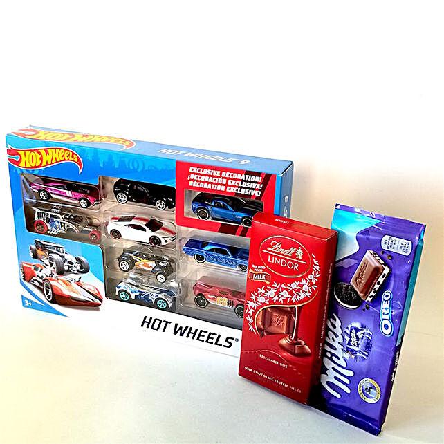 Hot Wheels Car Set And Chocolates