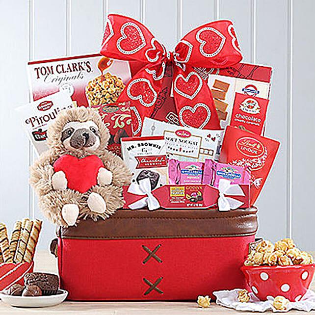 Sweet Selections Basket:Send Wedding Gifts to USA