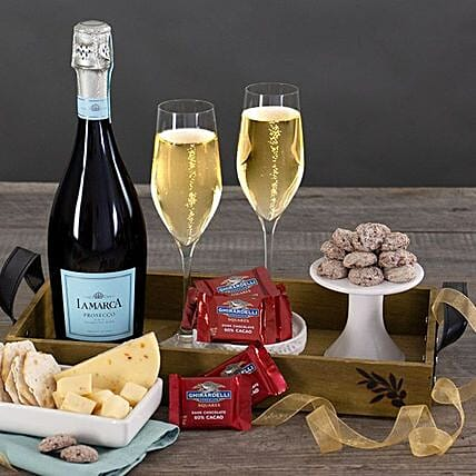 Classic Champagne Gift Basket:Send Diwali Gift Hampers to USA