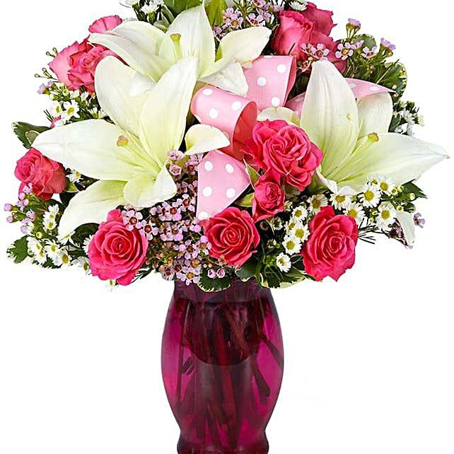 Delightful Flower Vase:Carnations